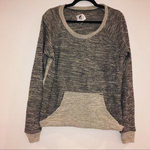 Volcom women's grey pull over sweater size XL